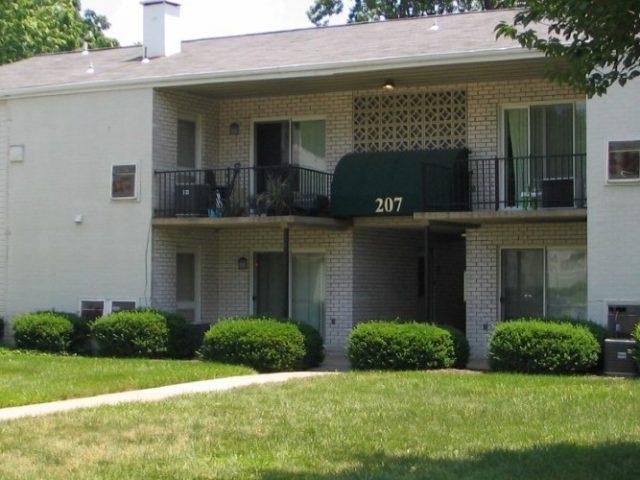 Ten Hills Apartments